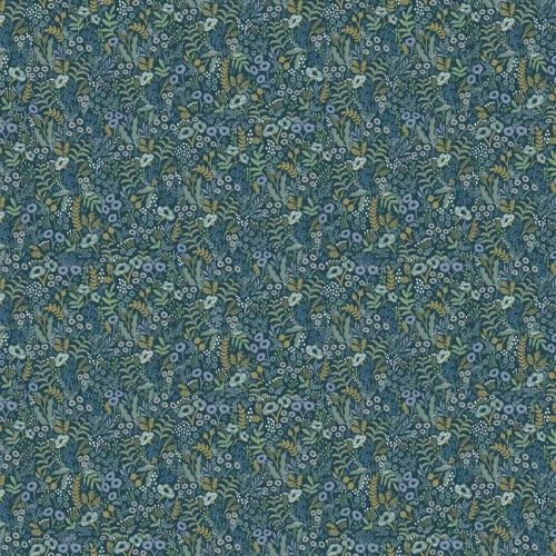 Papel pintado estilo estampado floral en tonos verdes y azules sobre fondo azul Tapestry RI5126