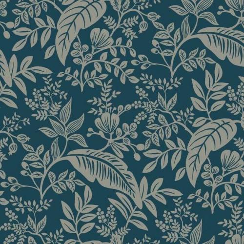 Papel pintado estilo hojas en color plata metálico sobre fondo azul oscuro Canopy RI5137